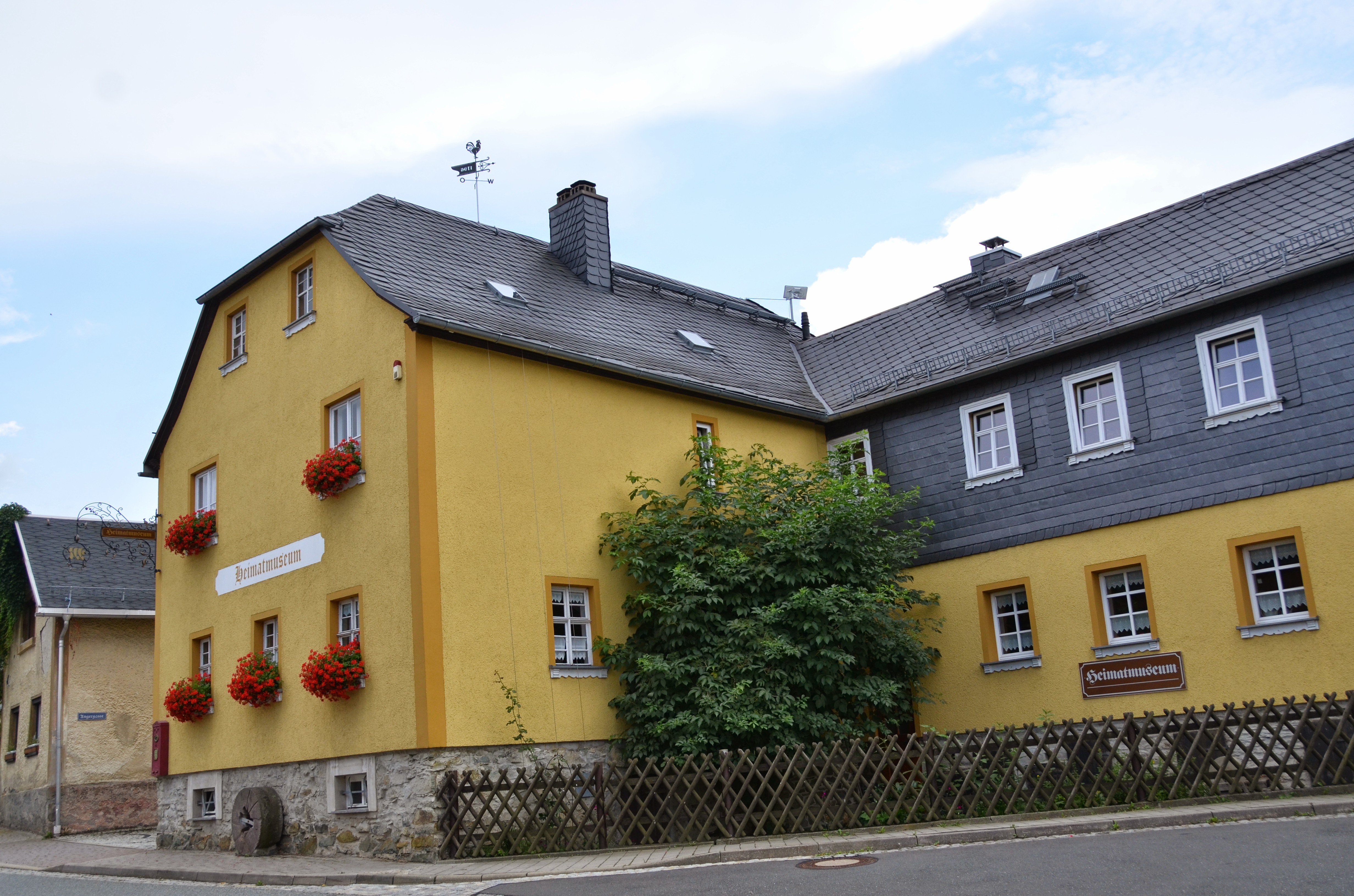 Naturschieferdach und -fassade, Heimatmuseum, Harra, Saale-Orla-Kreis