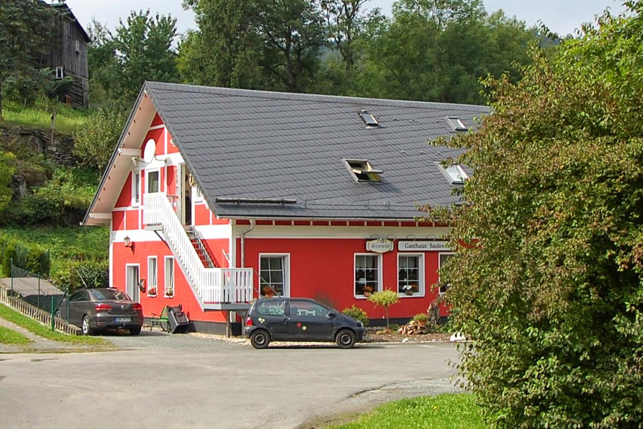 Eternit-Kunstschieferdach, Gasthaus Saaleblick, Harra, Saale-Orla-Kreis